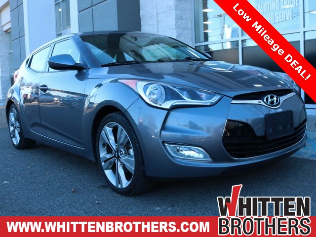 Pre-Owned 2016 Hyundai Veloster Base