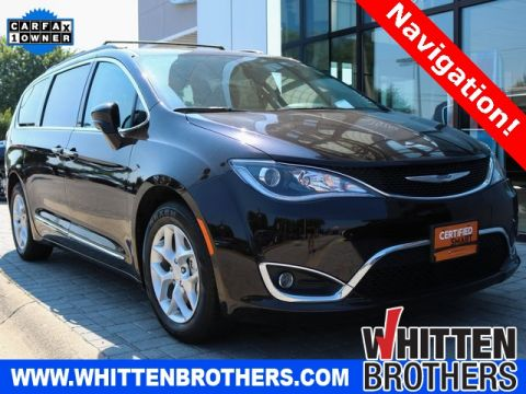 Pre-Owned 2017 Chrysler Pacifica Touring L